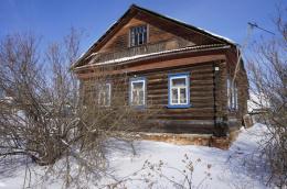 Дом в селе Сера